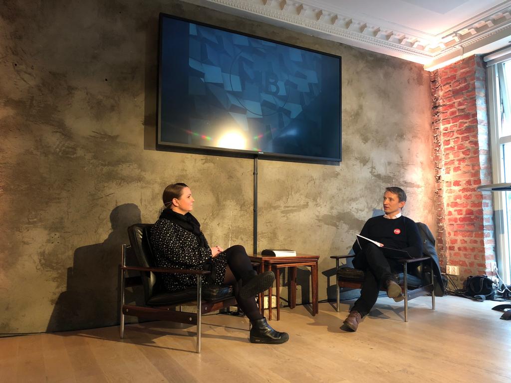 Bilde av Maria aas-Eng og Ole Janzso under bransjerapporten 2018