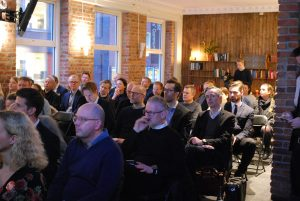 Bilde av publikum på bransjerapporten 2018