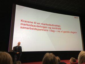 Bilde av mann som holder presentasjon under Mediedagen