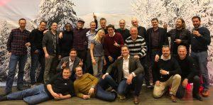 Gruppebilde av de ansatte i synergy sky