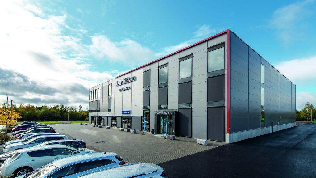 Bilde av bilvarehuset til Birger N. Haug fra utsiden