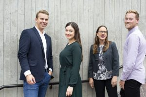 Fire Econa ansatte