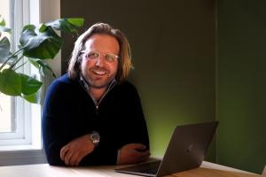 Thomas Lillebror Finne i Viva Media